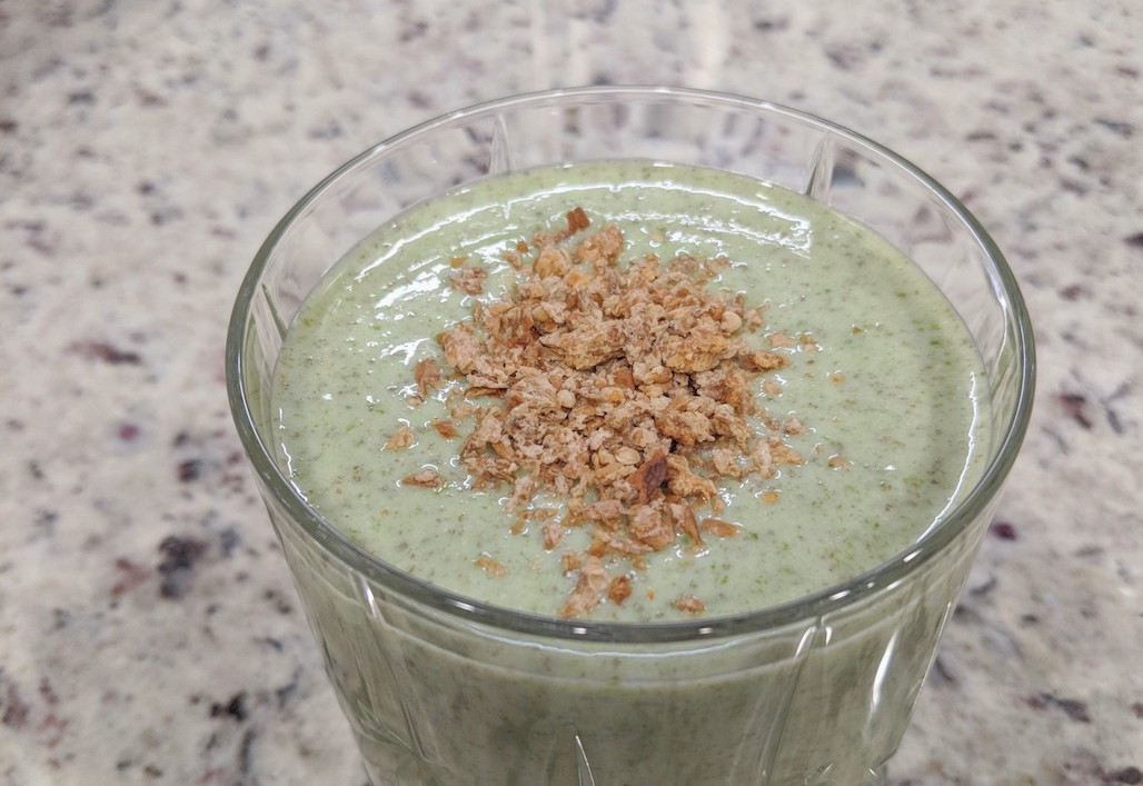 SMOOTHIE RECIPE | vanilla protein green recipe for energy boost.